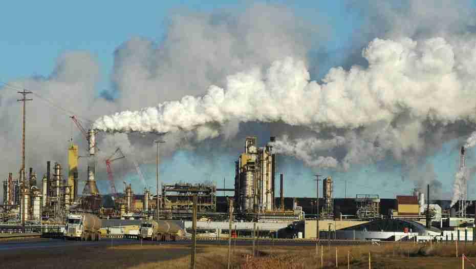 В Атырау зафиксировали превышение концентрации сероводорода