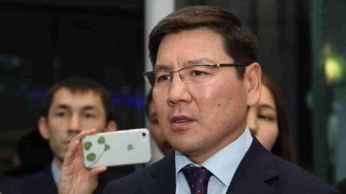 В Казахстане отправили в отставку министра