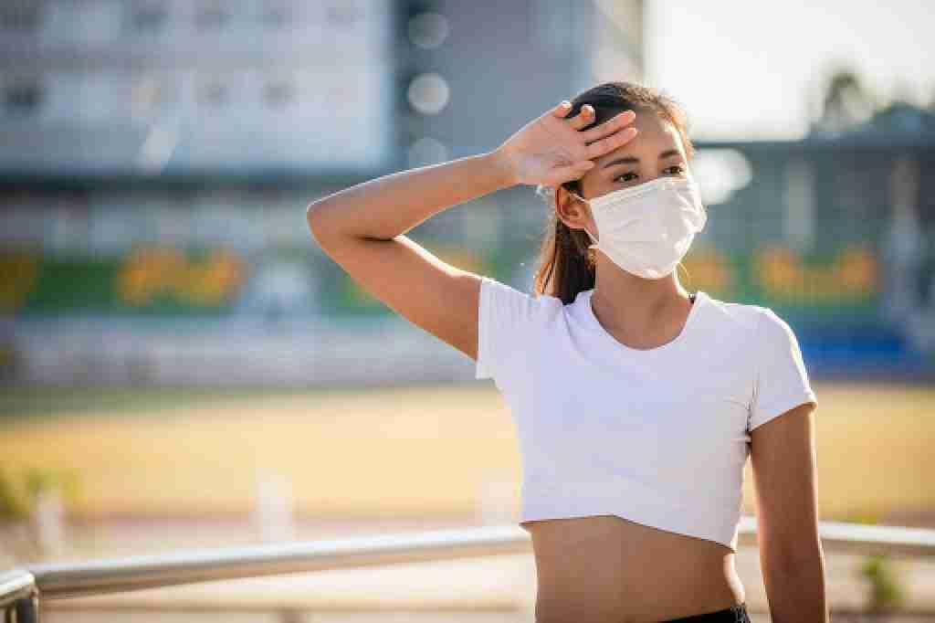 В Казахстане запретили выходить из дома без масок