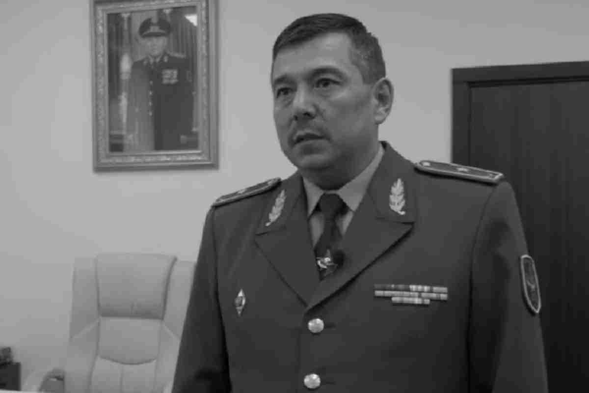 Замглавы Минобороны Бакыт Курманбаев умер от коронавируса