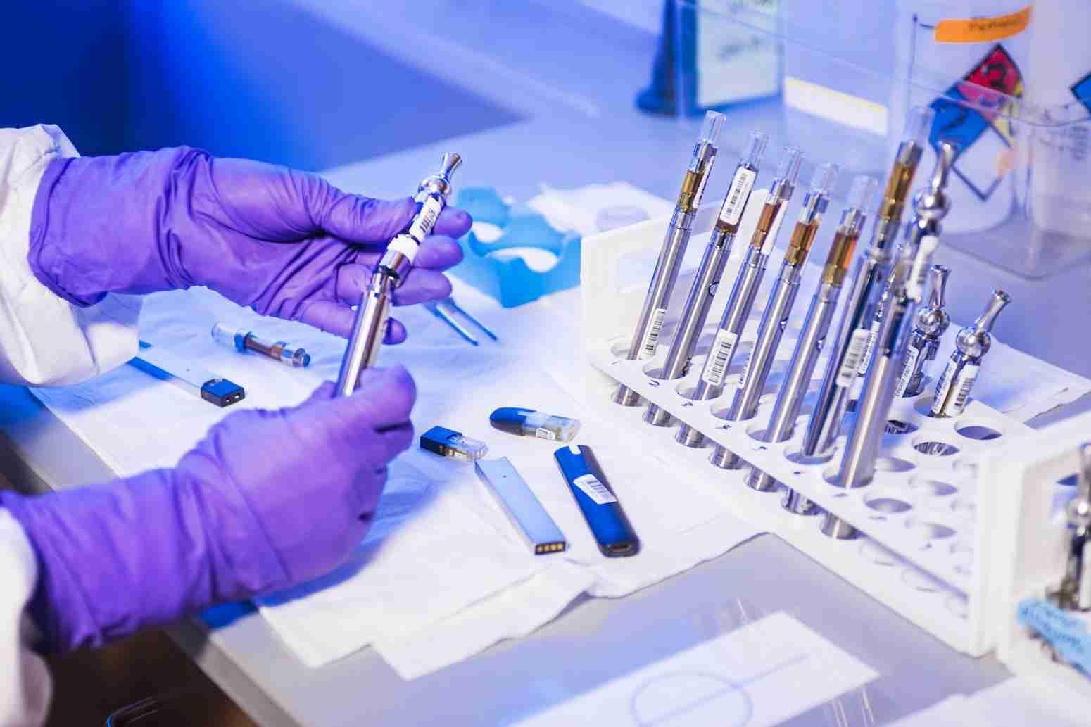 Вакцина от коронавируса в Казахстане: известны результаты первых испытаний