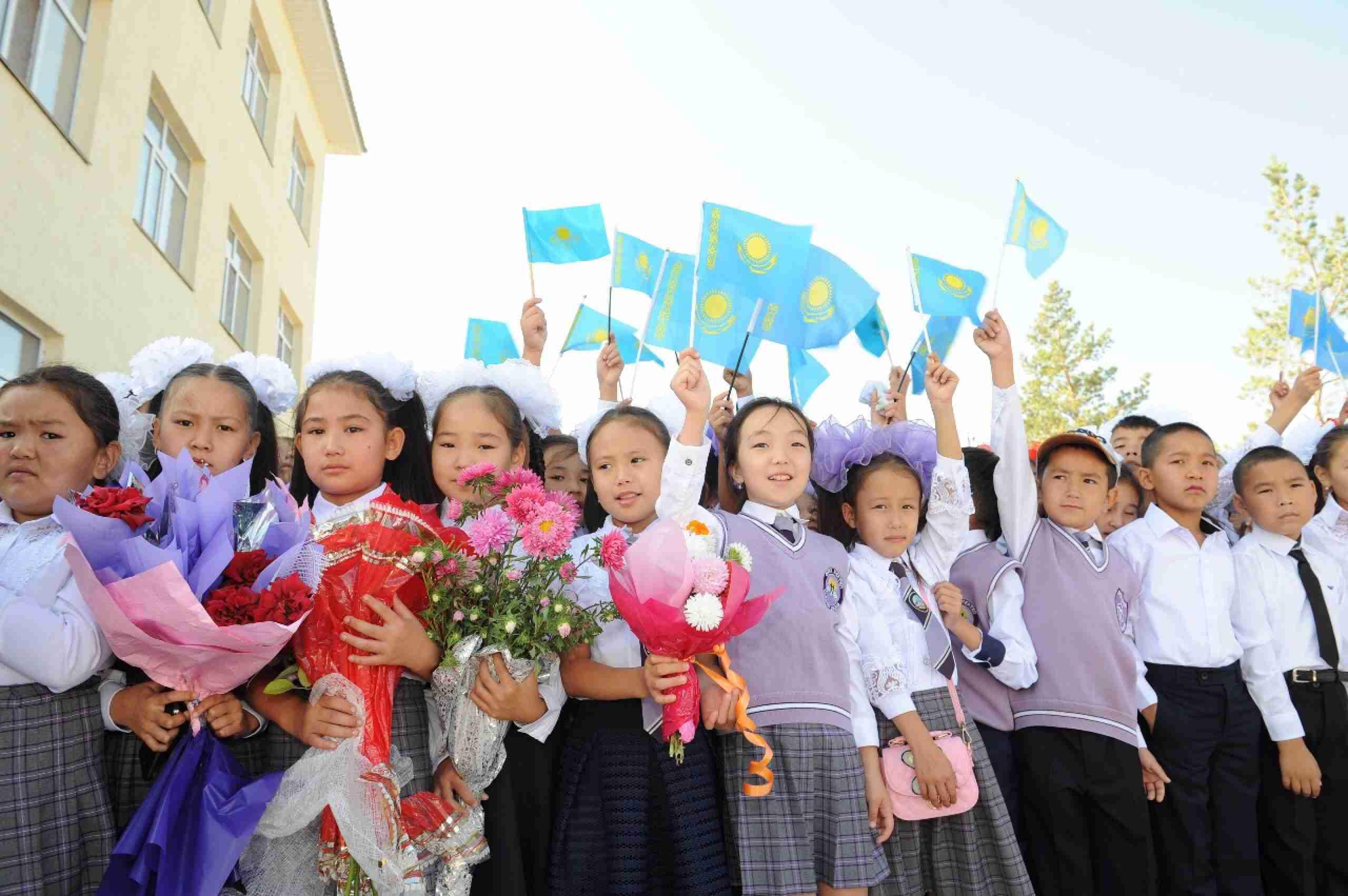 Учебный год 2020-2021 в Казахстане: кого не пустят в класс