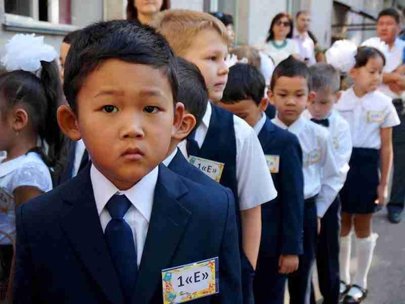 Школьники Казахстана пожаловались президенту на отсутствие интернета