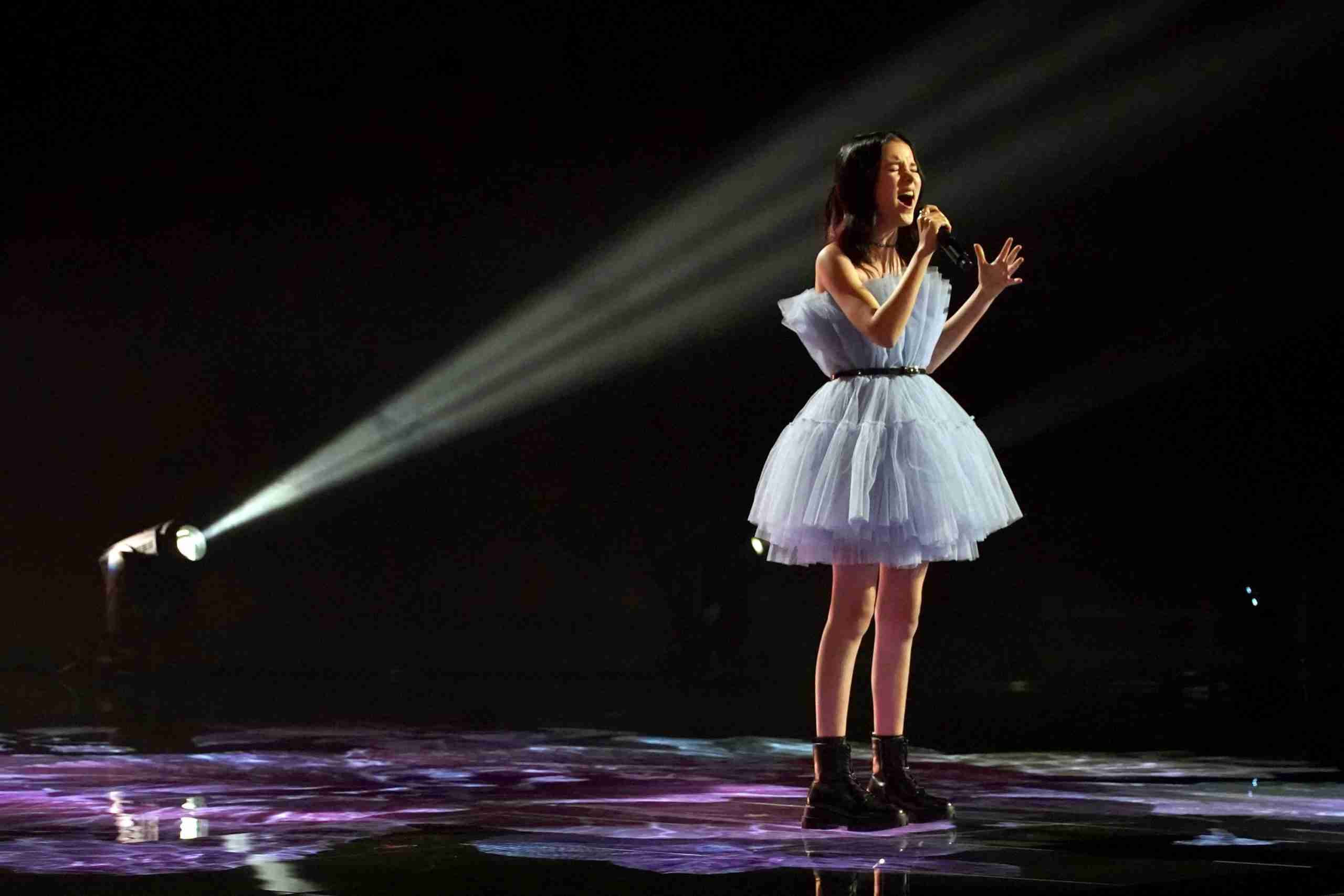 Данэлия Тулешова спела в третьем туре America's Got Talent