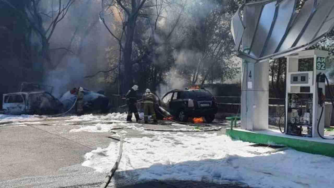 Взрыв на заправке под Алматы: видео с места происшествия
