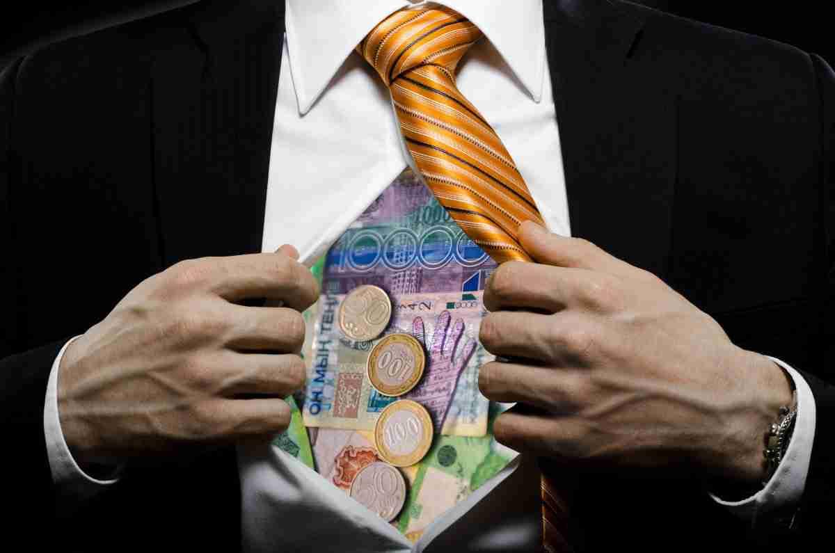 Коррупция в Казахстане: в каких регионах чаще всего требуют взятки
