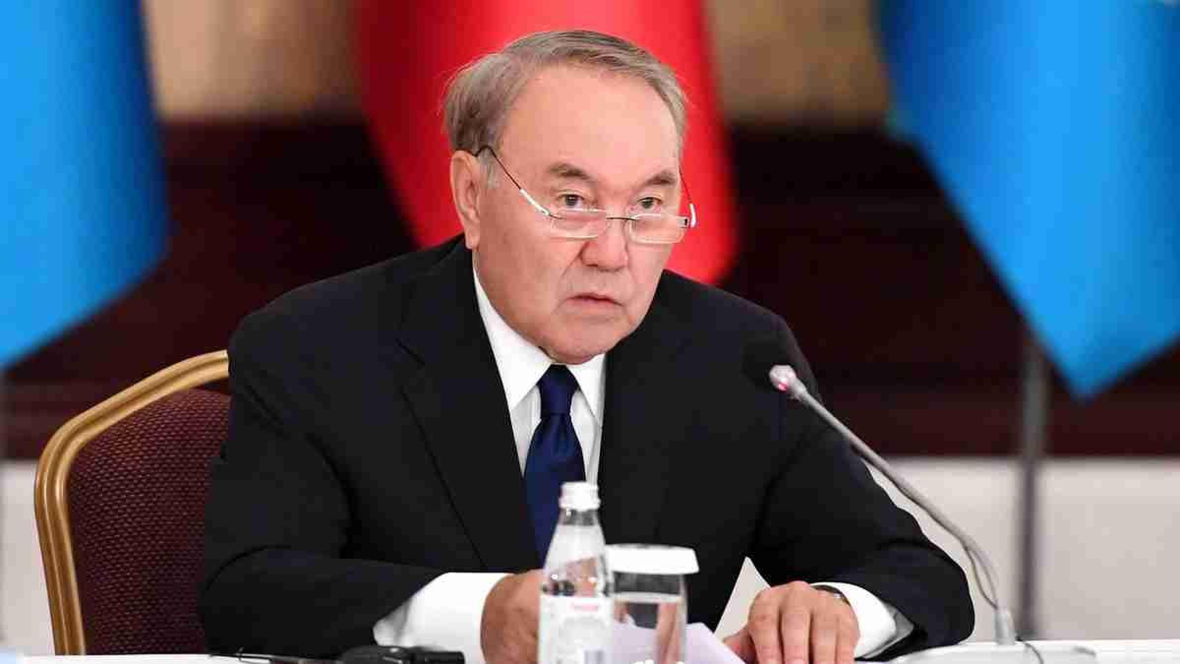 Назарбаев созвал политбюро Nur Otan