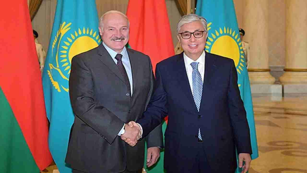 Токаев поздравил Лукашенко с победой на президентских выборах
