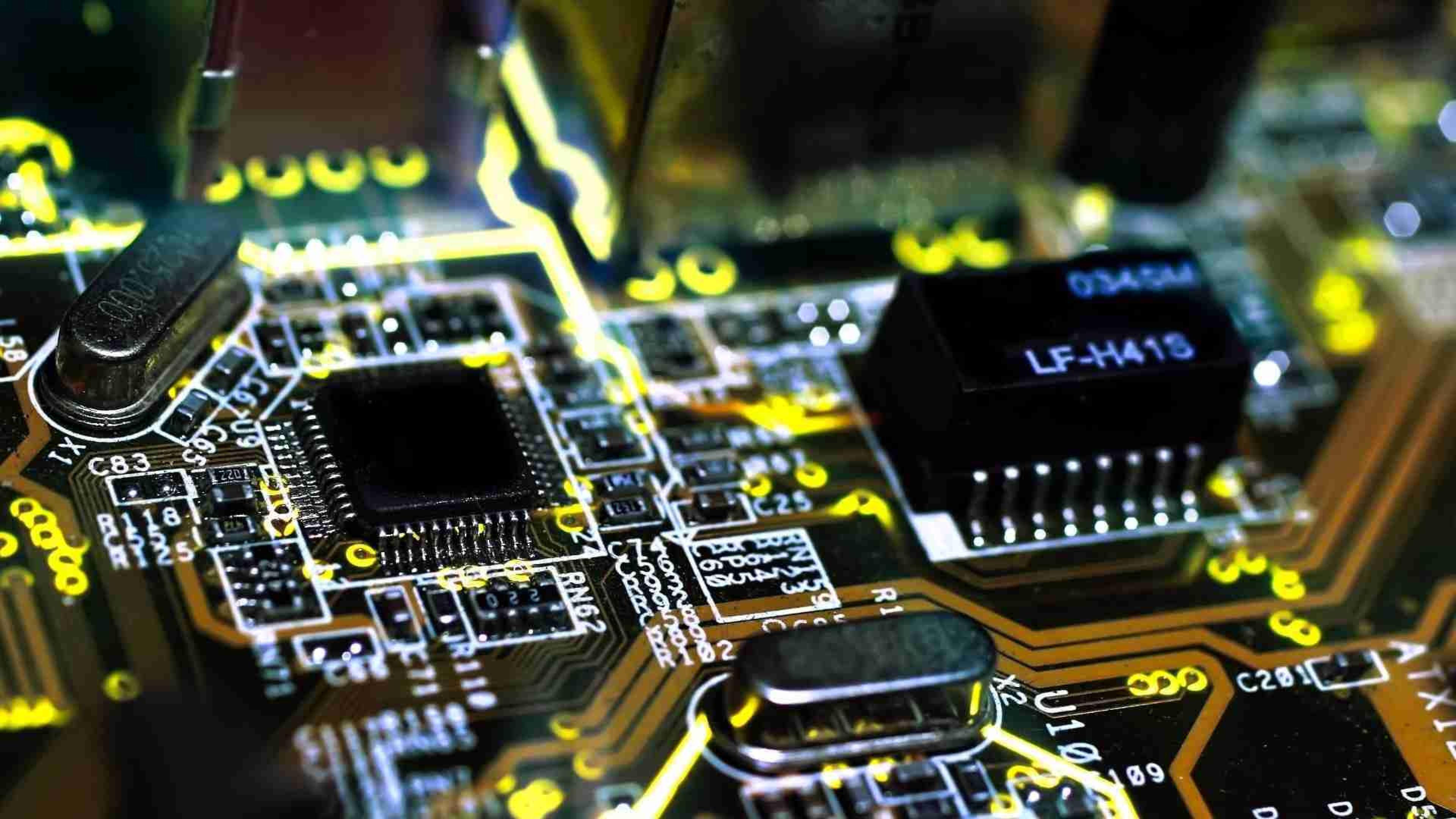 В Казахстане запустили производство отечественных компьютеров