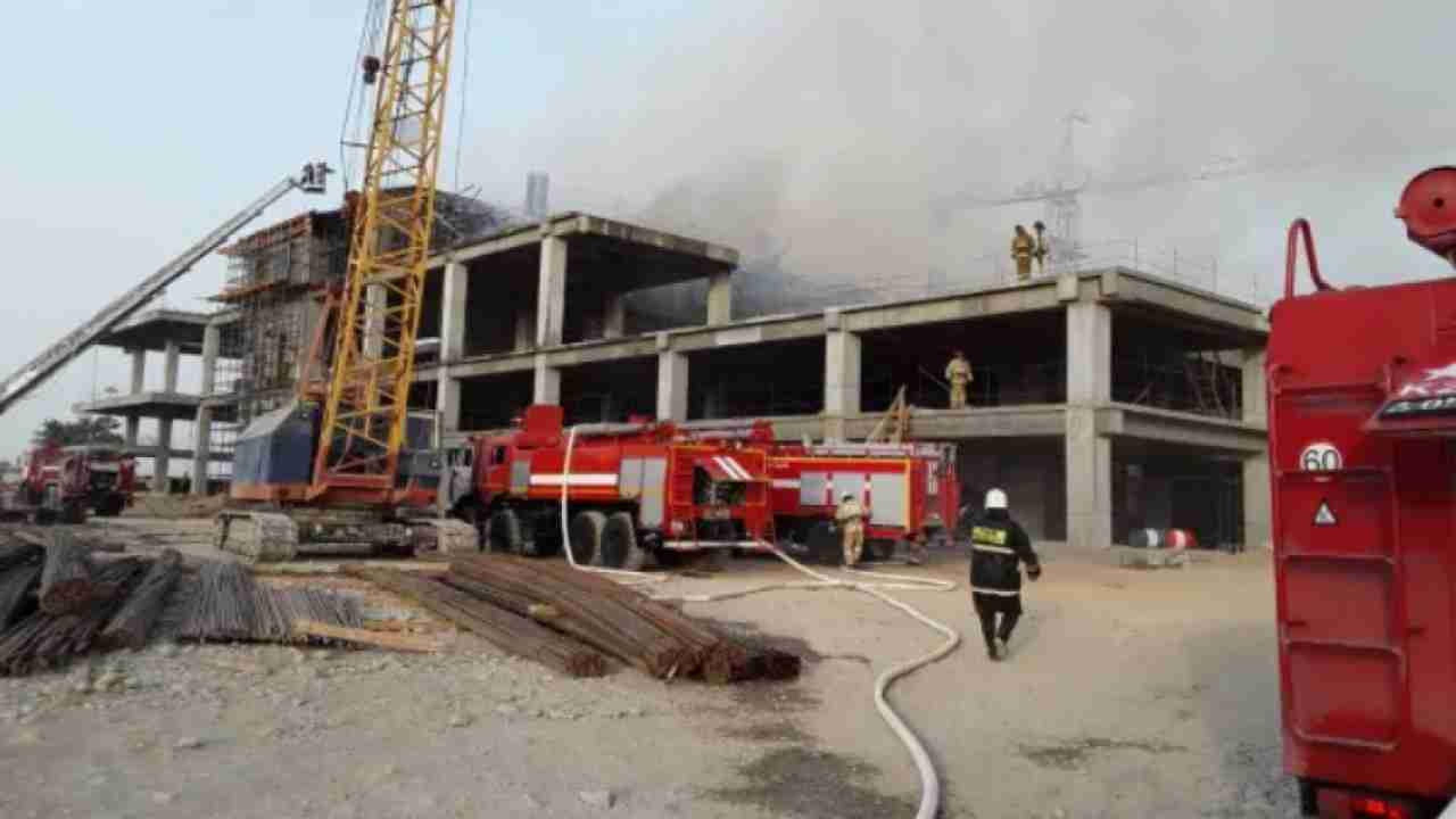 В Шымкенте сгорел недостроенный терминал аэропорта