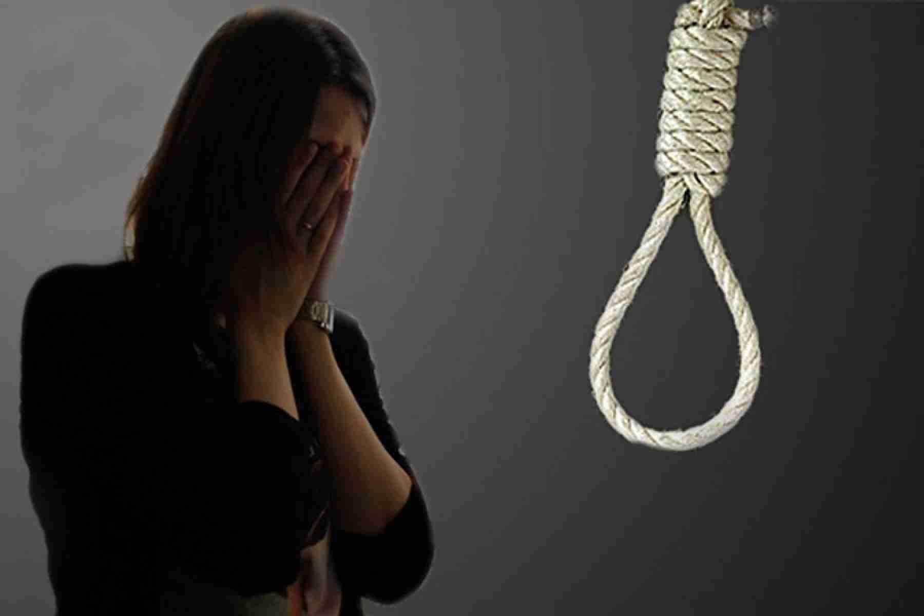 Интимный шантаж довел жительницу Атырау до самоубийства