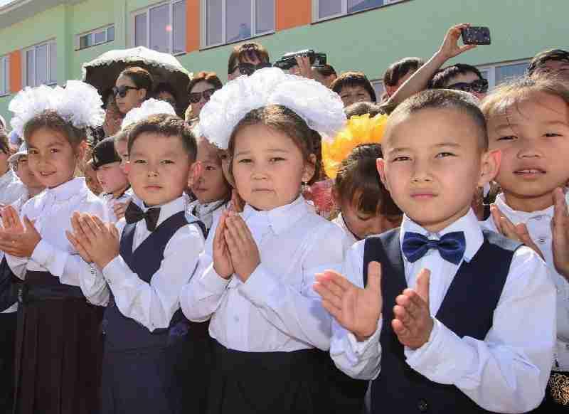 Как собрать ребенка в школу в Казахстане и не разориться: советы родителям
