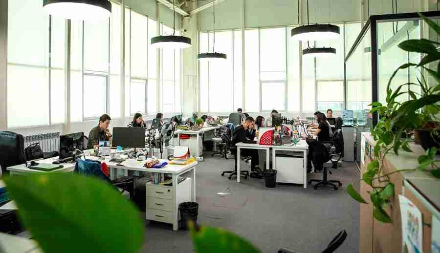 Рынок труда в Казахстане: кому легче всего найти работу