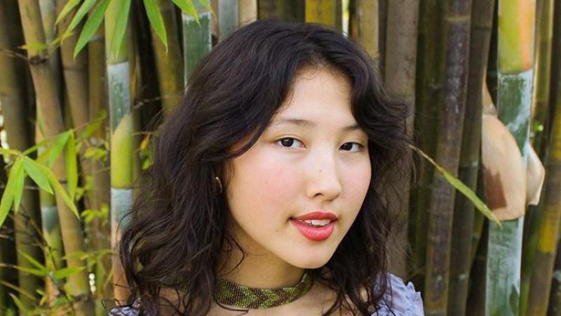 Что мы знаем о 14-летней американской девушке, полюбившей казахский язык