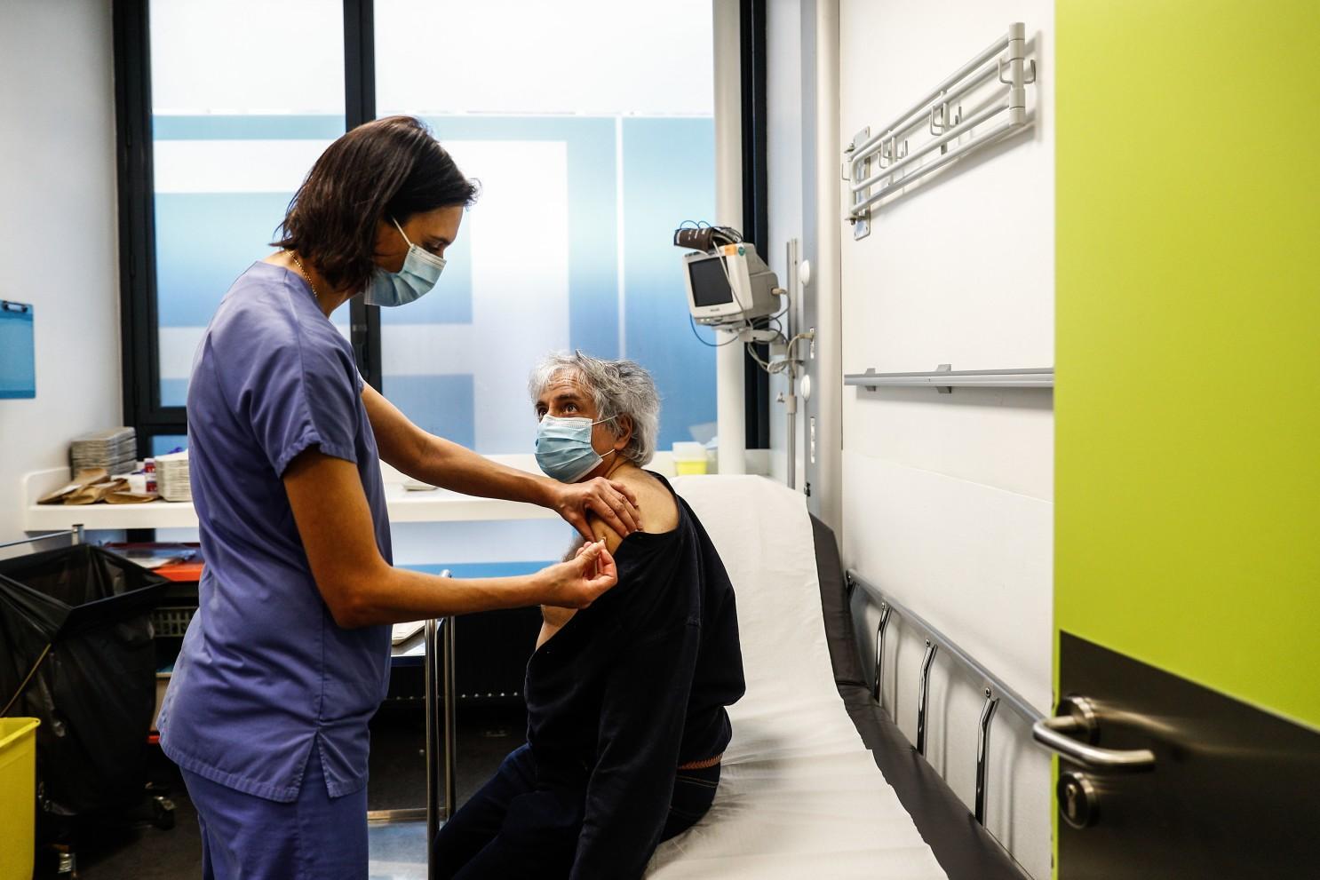 Во Франции от учителей и учеников не требуют вакцинации от ковида
